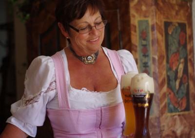 Klaudia Käsweber - Gastwirtin - Beim Anzinger